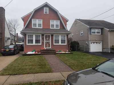 Malverne Single Family Home For Sale: 20 Nassau Blvd