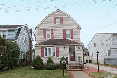 Lynbrook Single Family Home For Sale: 116 Central Ave