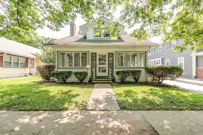 Floral Park Single Family Home For Sale: 86 Superior Rd