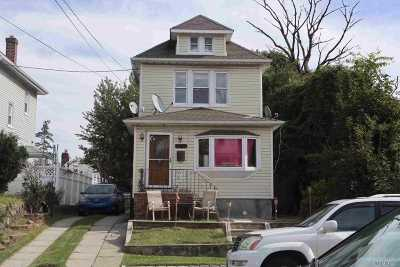 Fresh Meadows Single Family Home For Sale: 69-33 165th St