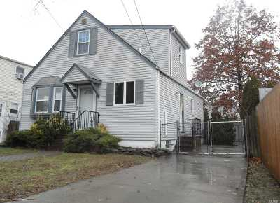 W. Hempstead Single Family Home For Sale: 220 William St