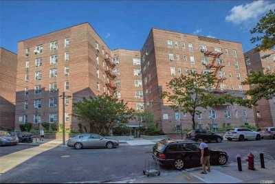 Elmhurst Condo/Townhouse For Sale: 4225 80th St #1E