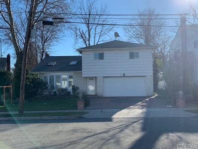 Hewlett Single Family Home For Sale: 6 Steven Dr