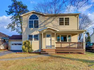 Wantagh Single Family Home For Sale: 999 Johnston Ave