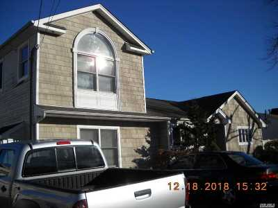 Deer Park NY Single Family Home For Sale: $300,000