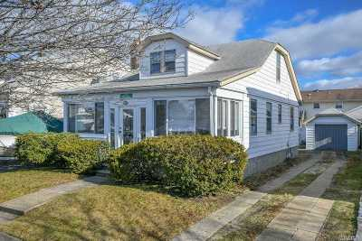 Wantagh Single Family Home For Sale: 2471 Bellaire St