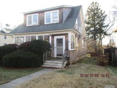Massapequa Single Family Home For Sale: 38 Baldwin Pl