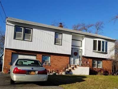Lindenhurst Single Family Home For Sale: 82 Orchard St