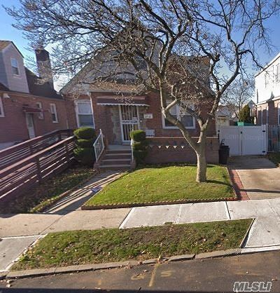 Fresh Meadows Single Family Home For Sale: 69-42 184 St