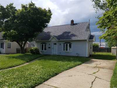 Levittown Single Family Home For Sale: 105 Balsam Ln