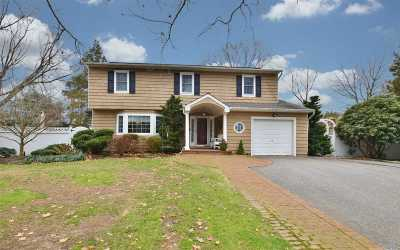 Greenlawn Single Family Home For Sale: 8 Gabriel Ct