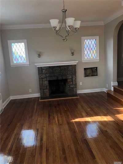 Hempstead Single Family Home For Sale: 267 Lawson St