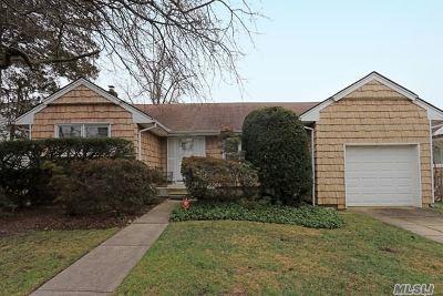 N. Bellmore Single Family Home For Sale: 2328 Henry St