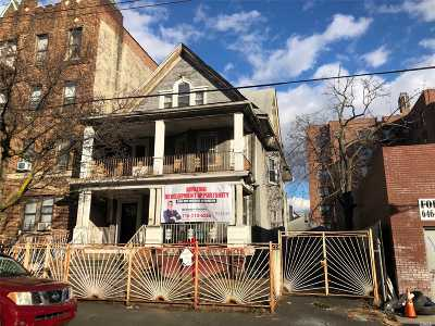 Brooklyn Multi Family Home For Sale: 977 E 34th St