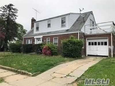 Freeport Single Family Home For Sale: 4 Prospect Ct