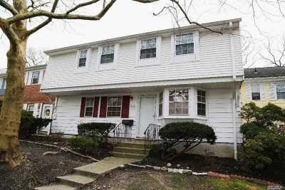Hauppauge Rental For Rent: 210 Towne House Vlg