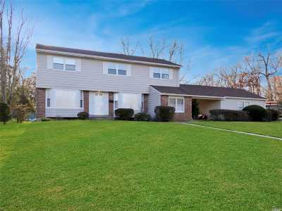 Commack NY Single Family Home For Sale: $549,999