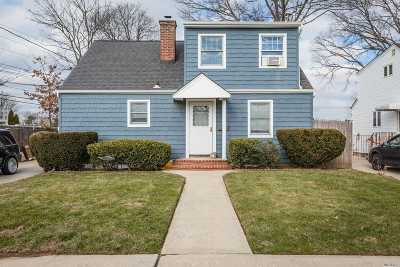 East Meadow Single Family Home For Sale: 2465 Poppy St