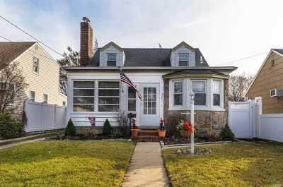 Oceanside Single Family Home For Sale: 2387 Rockville Centre Pkwy