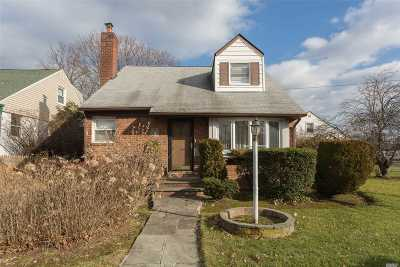 Bayside Single Family Home For Sale: 54-11 217th St