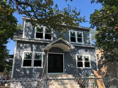 Wantagh Single Family Home For Sale: 2560 Sycamore Ave