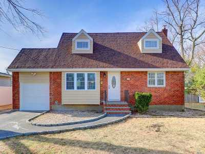 Deer Park Single Family Home For Sale: 192 W 19th St