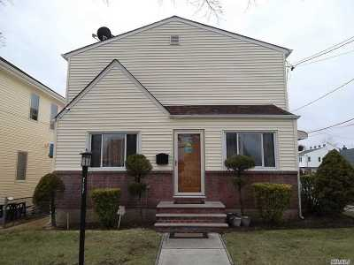 New Hyde Park Single Family Home For Sale: 717 N 5th St