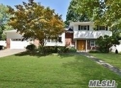 Commack Single Family Home For Sale: 30 Dovecote Ln