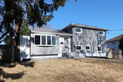 N. Babylon Single Family Home For Sale: 411 Cooper Rd