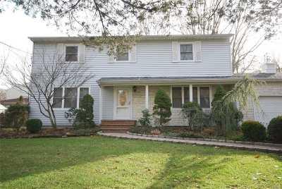 Ronkonkoma Single Family Home For Sale: 114 Hanson Pl