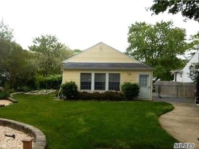 Ronkonkoma Rental For Rent: 2554 Sycamore Ave