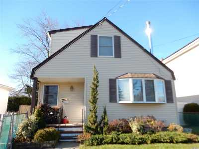 Amity Harbor Single Family Home For Sale: 29 Dawes Ave