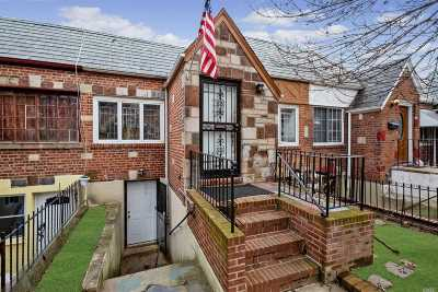 Single Family Home For Sale: 24-39 83 St