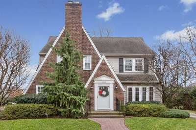 Garden City Single Family Home For Sale: 112 Locust St