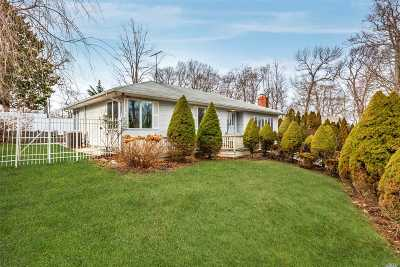 Kings Park Single Family Home For Sale: 66 Forest Rd