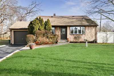 Smithtown Single Family Home For Sale: 149 Saint Nicholas Ave