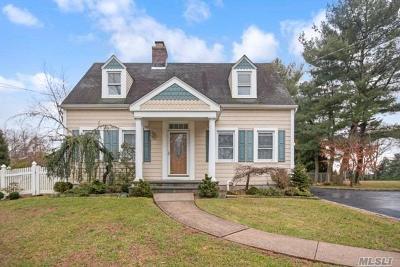 Farmingdale Single Family Home For Sale: 1450 Merritts Rd