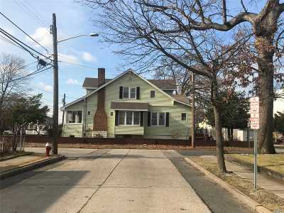 Valley Stream Single Family Home For Sale: 25 Cleveland St