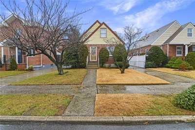 Fresh Meadows Single Family Home For Sale: 56-27 195th St