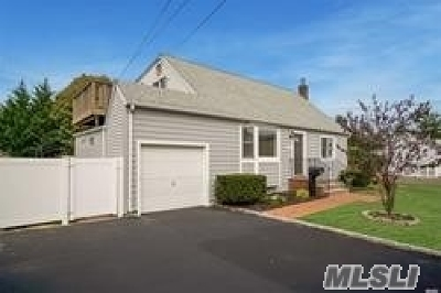 N. Massapequa Single Family Home For Sale: 241a N Albany Ave