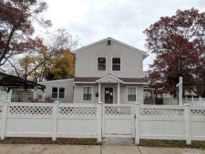 Nassau County Single Family Home For Sale: 40 Decatur St