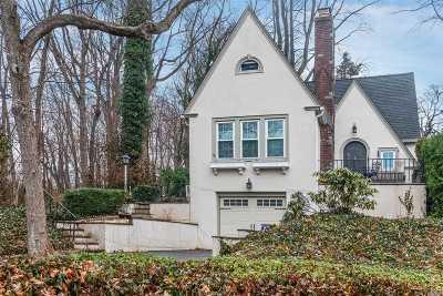 Glen Head Single Family Home For Sale: 2 Cedar Ln