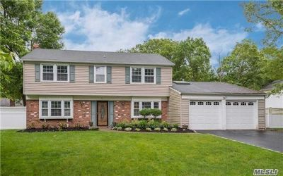 Stony Brook Single Family Home For Sale: 5 Stockton Ln
