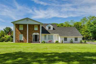 Greenlawn Single Family Home For Sale: 140 Clay Pitts Rd