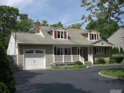 East Islip Single Family Home For Sale: 18 Fern Ave