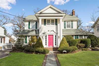 Rockville Centre Single Family Home For Sale: 21 Cambridge St