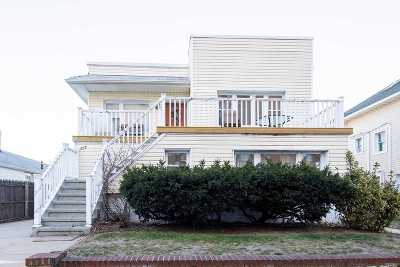 Long Beach Multi Family Home For Sale: 557 Shore Rd