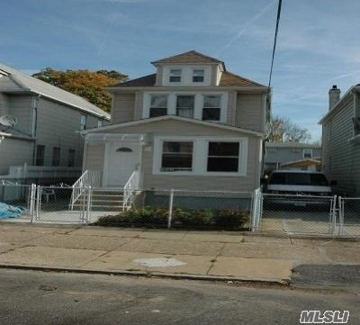 Ozone Park Multi Family Home For Sale: 115-23 123rd St