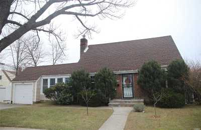 Bayside Single Family Home For Sale: 202-06 23 Ave