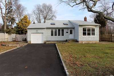 Bayport Single Family Home For Sale: 193 Connetquot